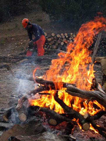 blog-chainsaw-and-fire