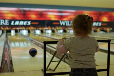 bowling-watching-ball